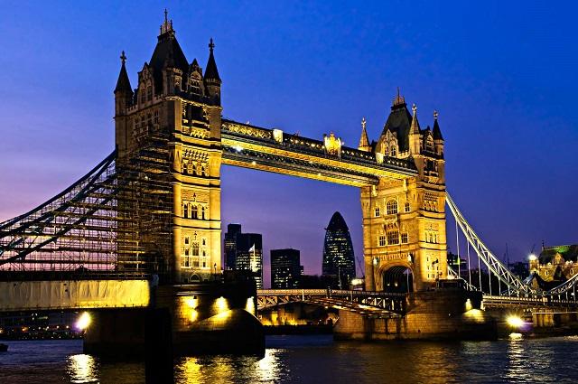 *名古屋発* 【8日間/周遊】ロンドン & モンサンミッシェル・マラソン ツアー ◆世界遺産モンサンミッシェルに向かって潮風と共に駆け抜ける!◆現地日本語アシスタントが同行!◆ロンドン・モンサンミッシェル・パリ 8日間 ◆エールフランス航空指定!