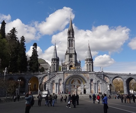 年間約600万人が訪問 奇跡の泉が湧き出る聖地『ルルド』へ ◆ ルルド 5日間 ◆ エールフランス航空指定 羽田・成田発選択可能!